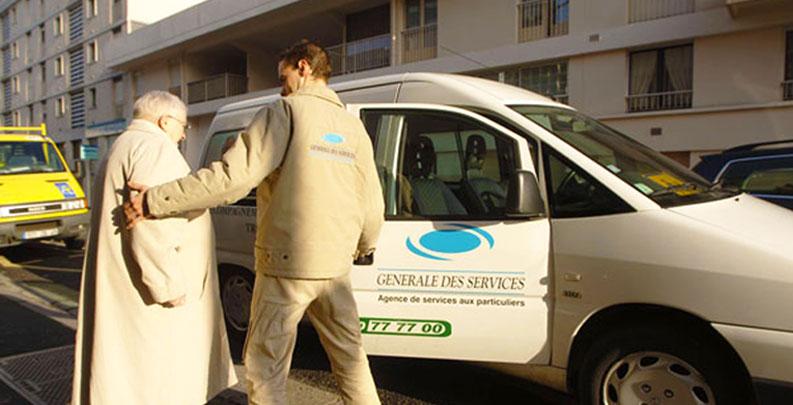 recrutement accompagnateur et informations sur le metier emploi service  u00e0 la personne